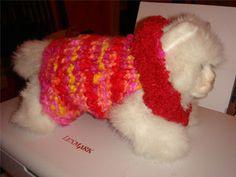 Dog sweater on round loom