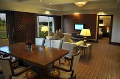 Deluxe Suite Room at Holiday Inn Kuala Lumpur Glenmarie