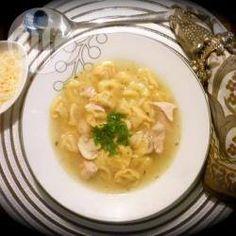 Sopa de capeletti da Cíntia @ allrecipes.com.br - Essa é a receita preferida do meu marido! Super fácil de preparar e ótima para as noites frias.