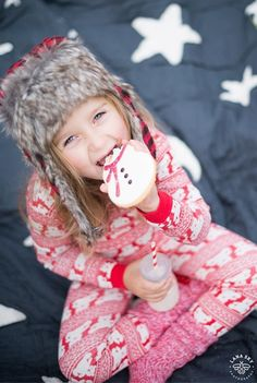 Cookies and Milk - Seattle Children Photography - Christmas Family Picture Ideas