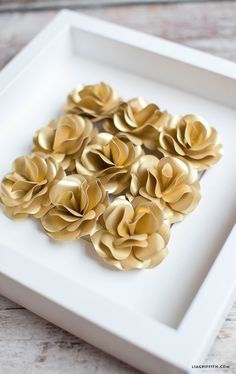 Make your own gorgeous paper flowers with this mini paper rose pattern and tutorial from handcrafted lifestyle expert Lia Griffith and her team.