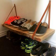 """""""Hjemmelavet skohylde/holder #homemade #skohylde #skoholder #sko #shoe #shoes #shoerack #handmade #læder #leather #krea #kreativ #creative #godide…"""""""