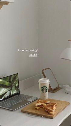 Comida Do Starbucks, Picture Instagram, Mode Poster, Photo Deco, Think Food, Healthy Lifestyle Motivation, Study Inspiration, Instagram Story Ideas, Study Motivation