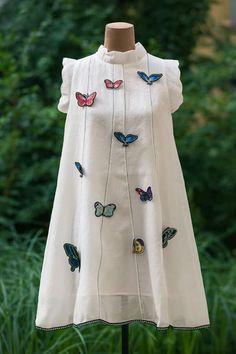 Different types of frocks designs - Simple Craft Ideas Kids Summer Dresses, Dresses Kids Girl, Girls Party Dress, Cute Dresses, Kids Outfits, Kids Dress Wear, Kids Gown, Frock Patterns, Dress Neck Designs