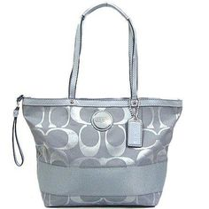 Coach handbag bought this for my daughter, with the wallet and wristlet to match, cute professional set