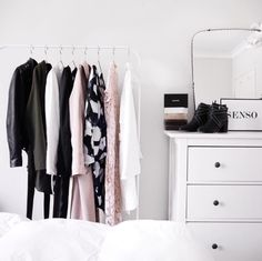 closet // @charlizew