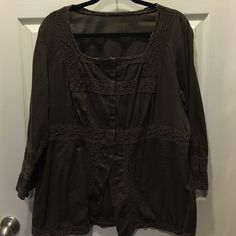 Brown cotton tunic with crochet detailing Cool, comfortable top. Snap closure, missing one snap but unnoticeable. Tops Tunics