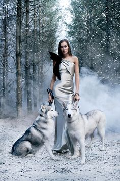 The Snow Queen: Josephine Le Tutour by Alexandra Sophie for Harper's Bazaar UK January 2017 - Armani Prive Fall 2016 Haute Couture Fantasy Photography, Fashion Photography, Popular Photography, Dog Photography, Beauty Photography, Josephine Le Tutour, Fashion Bazaar, Haute Couture Looks, And Couture