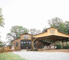 Dahlonega wedding, Wedding venue North Georgia, Mountain wedding, White Oaks Barn,  Georgia Wine Country Wedding, Georgia Wedding Venue, Wedding Reception, Rustic Reception, Mountain Reception