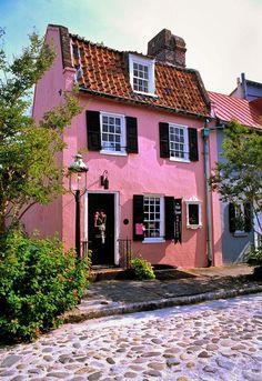 Life's peachy in Charleston, SC.