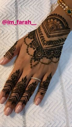 Discover recipes, home ideas, style inspiration and other ideas to try. Stylish Mehndi Designs, Best Mehndi Designs, Henna Tattoo Designs, Mehndi Designs For Hands, Bridal Mehndi Designs, Henna Tattoos, Tribal Henna, Henna Mehndi, Hand Henna