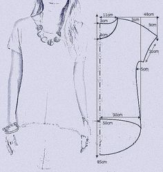 "vamos combinar: MOLDE BLUSA MULLET ""Smooth sleeve hi/low tshirt"", ""check out my website for more . Tunic Sewing Patterns, Sewing Blouses, Clothing Patterns, T Shirt Patterns, Toddler Dress Patterns, Sewing Stitches, Coat Patterns, Fashion Sewing, Diy Fashion"