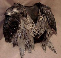 Thranduil armor  made by: https://www.facebook.com/pieceofcakecosplay