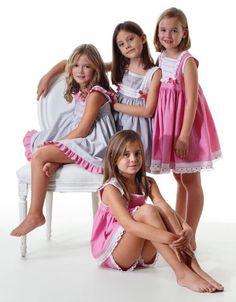 Young Girl Fashion, Preteen Girls Fashion, Girls Fashion Clothes, Kids Fashion, Girls Dresses Tween, Tween Girls, Beautiful Little Girls, Cute Little Girls, Girls Bathing Suits