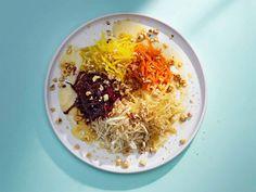 Råkostsallad med brynt smör, honung och hasselnötter | Recept från Köket.se