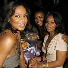 It's National Girlfriends Day -- and we're celebrating by takinglook at a few of our favorite girl crews.You are who you surround yourself with and luckily these celeb ladies are in good -- and fashionable --company. From Ciara, Kelly and Lala to Rihanna and Melissa, here are our favorite stylish squads.
