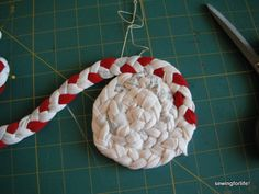 DSCF1583. how to tutorial for tshirt braided rugs