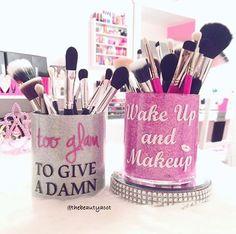 Makeup Forever Hd Stick Makeup Geek Magic Act - my most beautiful makeup list Makeup Jars, Makeup Brushes, Makeup Geek, Diy Makeup, Makeup List, Makeup Storage, Makeup Organization, Juice For Skin, Make Up Organiser