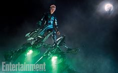 New Amazing Spider-Man 2 images give us some great behind-the-scene looks, while revealing some incredible shots of Dane DeHaan as the Green Goblin. Dane Dehaan, Spider Man 2, Andrew Garfield, Marvel Villains, Marvel Dc, The Amazing Spiderman 2, Harry Osborn, Foto Top, Gwen Stacy
