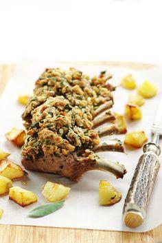 Carré d'agneau à la sauge et pignons, pommes de terre pimentées