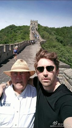 Lee_G_Pace 15分钟前来自小米Note Me. Dad. The Great Wall of China. Our last stop. Thank you for showing me your amazing country and feeding me well... I will come back soon Much respect and love. Your, 佩佩