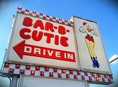 Bar-B-Cutie neon sign Vintage Signs, Vintage Posters, Retro Vintage, Bbq Signs, Smoke Tree, Signage Display, Neon Moon, Outdoor Signage, Chuck Wagon