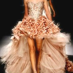 <3 this. would never have anywhere to wear it, but would love to have it in my closet!