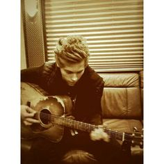 Instagram photo by 5 Seconds of Summer • Apr 21, 2014 at 2:42am UTC ❤ liked on Polyvore featuring 5sos and luke hemmings