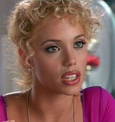 Elizabeth Berkley (Nomi (Show Girls) Elizabeth Berkley Showgirls, Emily Didonato, Saved By The Bell, Provocateur, 90s Hairstyles, Elisabeth, Trophy Wife, New Trends, Beauty Women