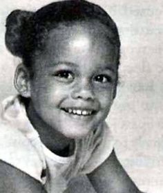 A young Alicia Keys. Halle Berry Short Hair, Halle Berry Hot, Celebrities Then And Now, Young Celebrities, Celebs, Celebrity Baby Pictures, Celebrity Babies, Celebrity Children, Sarah Jessica Parker
