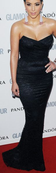 not a big fan of Kim K, but you can't deny those curves!