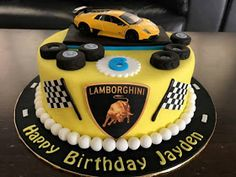 Jenn Cupcakes & Muffins: Lamborghini-Kuchen Source by Related posts: No related posts. Birthday Cakes For Men, Car Cakes For Boys, Race Car Cakes, Cake Designs For Boy, Cake Design For Men, Lamborghini Aventador, Lamborghini Interior, Lamborghini Lamborghini, Lamborghini Diablo