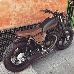 Scrambler motorcycle custom bikes honda cb 27 Ideas for 2019 Suzuki Cafe Racer, Cafe Racer Build, Cafe Racer Bikes, Blitz Motorcycles, Honda Motorcycles, Honda Cb750, Yamaha, Tracker Motorcycle, Cafe Racer Motorcycle