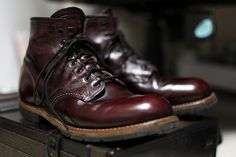 REDWING BECKMAN 9011 Mens Boots Fashion, Leather Fashion, Sneakers Fashion, Red Wing Shoes, Botas Red Wing, Red Wing Heritage Boots, Moda Sneakers, Only Shoes, Cool Boots