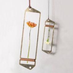 brass dried flower frame