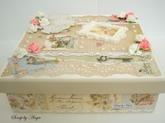 Caixa em mdf decorada com papéis e enfeites de scrapbook.