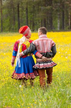"""""""This couple are wearing kirtles from Kautokeino in Norway.Above the Polar Circle the sun does not set this time of year and it is easy to get lost in time. The nights are perfect for romance."""". Hum... [Text and photo Laila Duran ©]"""