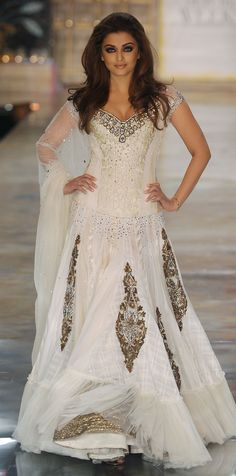 Manish Malhotra Corset Lehenga in White