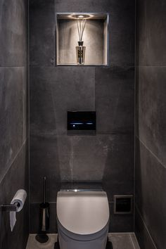 Bathroom Layout, Bathroom Interior Design, Modern Bathroom, Small Bathroom, Bad Inspiration, Bathroom Inspiration, Small Toilet Room, Luxury Toilet, Bathroom Toilets