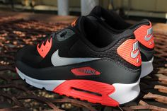 Nike Air Max 90 Essential - Anthracite & Atomic Red