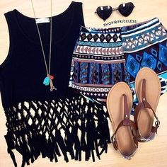 Love this festival outfit. Get discounts at Forever21, Boohoo and more at Studentrate!