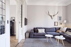 Milo and Mitzy est 2011 Living Room Grey, Interior Design Living Room, Home And Living, Living Room Decor, Living Spaces, Tadelakt, Gray Interior, Scandinavian Home, Home And Deco