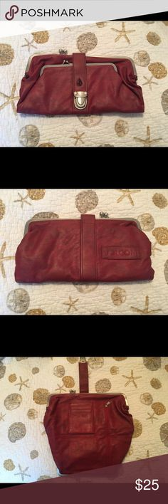 Volcom Clutch Purse Handbag I picked this up from a surf shop a couple years ago and ended up getting a similar one as a gift. This one has barely been used. Maybe once or twice. Near perfect condition. Volcom Bags Clutches & Wristlets