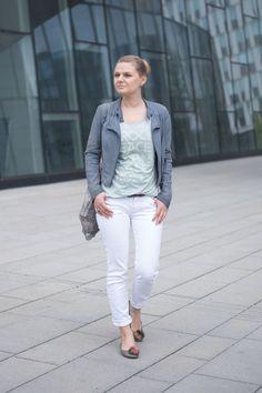 Blaugraues Wetter und Outfit in Lederjacke, Review Shirt und 7 FOR ALL MANKIND Jeans - yellowgirl der DIY und lifestyle Blog