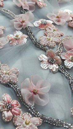 bordados em tecidos | Rosie Zanutto
