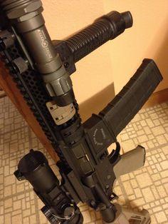 RRA Tactical Operator 2, Burris AR-332, Magpul STR & MOE+, Grip-Pod, Surefire, PMAG 40