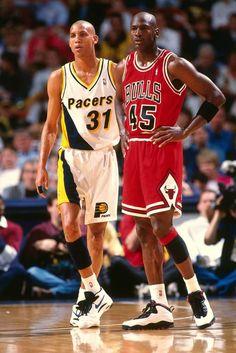 Reggie Millar and Michael Jordan Reggie Miller, Michael Jordan Basketball, Mike Jordan, Basketball Shorts Girls, Love And Basketball, Basketball Legends, Indiana Pacers, Sports Basketball, Basketball Players