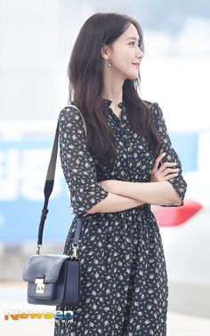 SNSD's Yoona at Incheon Airport off to Taiwan Korean Beauty, Asian Beauty, Yoona Snsd, Popular Girl, Girl Inspiration, Airport Style, Airport Fashion, Korean Celebrities, Korean Actresses