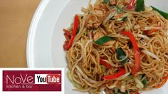 Yaki Soba is an incredibly easy and rewarding quick meal anyone can make at home. You'll need the basics which can be found in your local asian market usuall. Soba Recipe, Yaki Soba, Asian Recipes, Ethnic Recipes, Filipino Recipes, Asian Stir Fry, Chef Work, Fish And Chicken, Japanese Chef