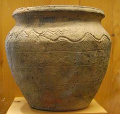Medieval Novgorod Pottery